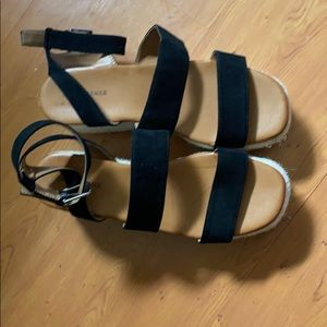 American Eagle Outfitters Shoes - America Eagle black wedges size 8 medium